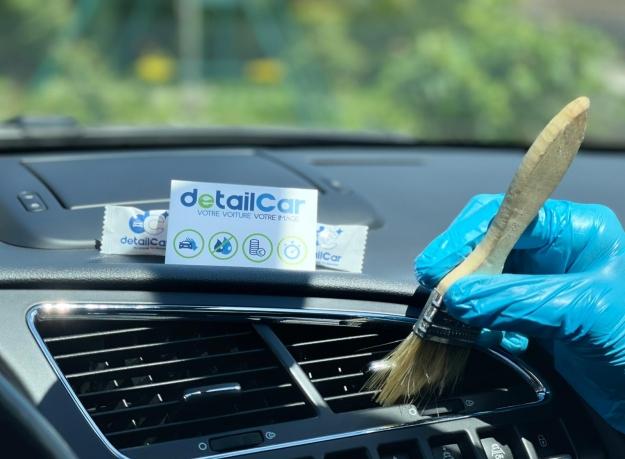 Lavage auto à Manosque et un traitement résine et goudron de votre deux roues